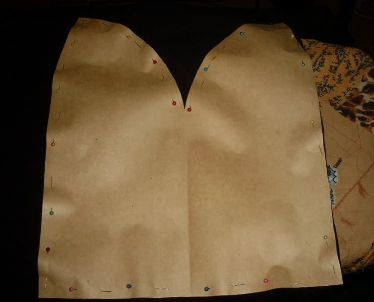 Рисунок 2 Перенос выкройки на ткань