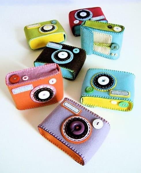 Рисунок 4 Чехол для фотоаппаратов из разноцветного фетра