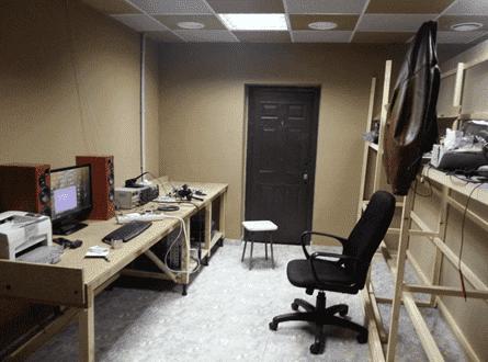Временный вариант рабочего стола в ожидании заказанной мебели