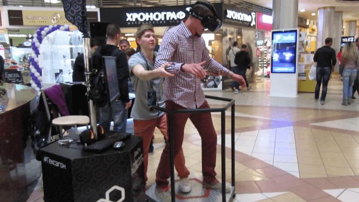 Рисунок 12. Аттракцион виртуальной реальности в холле торгового центра